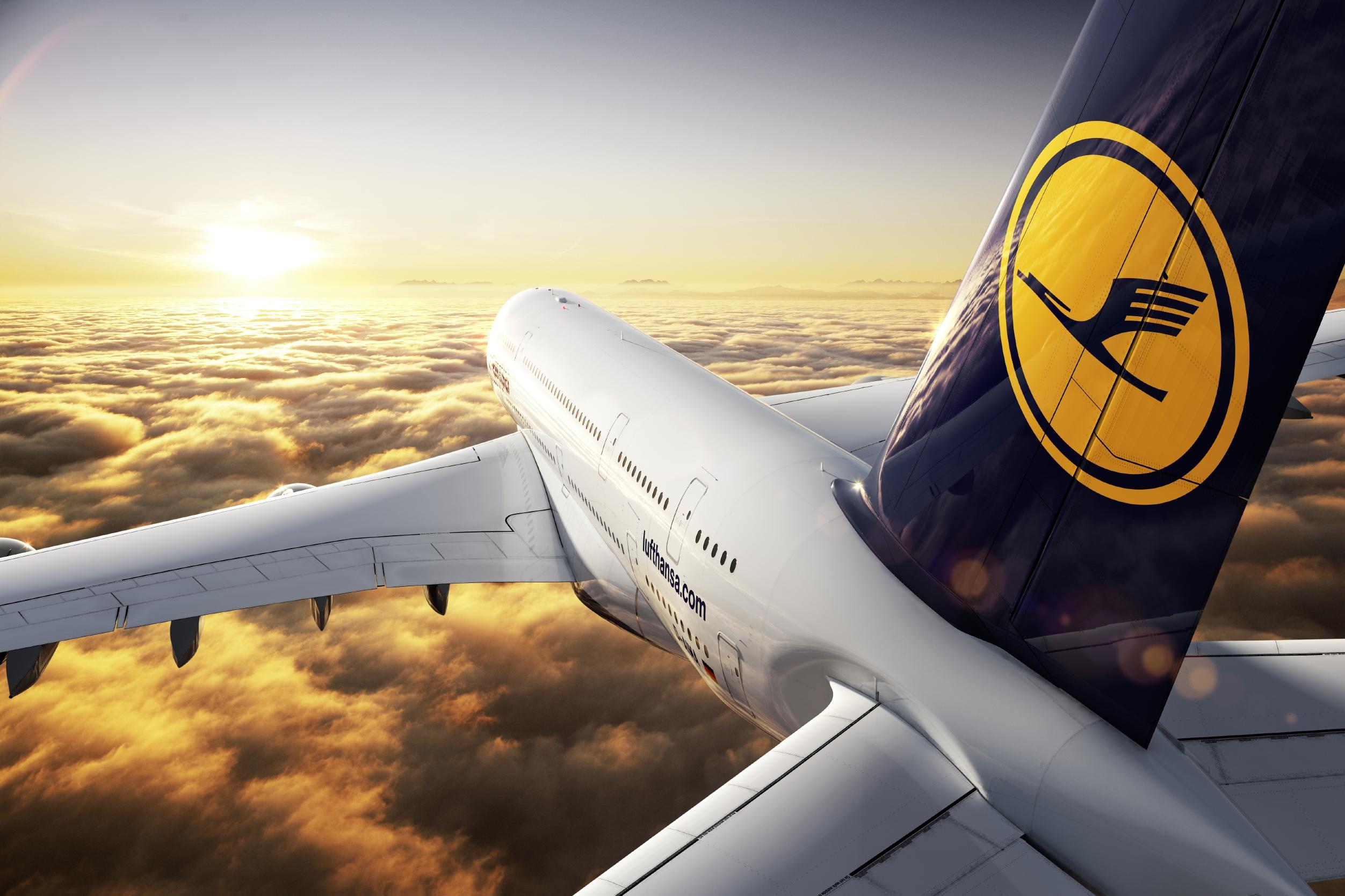 Lufthansa Change Logo Colors on Social Media After Plane Crash